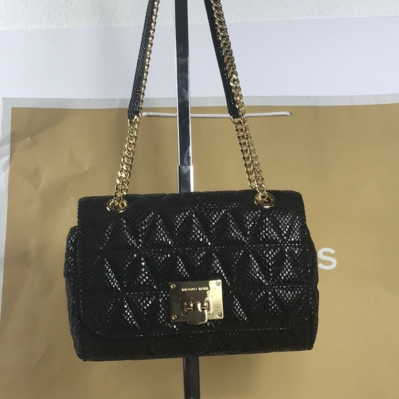 cebb472ed02b Michael Kors Vivianne Black MD Shoulder Flap